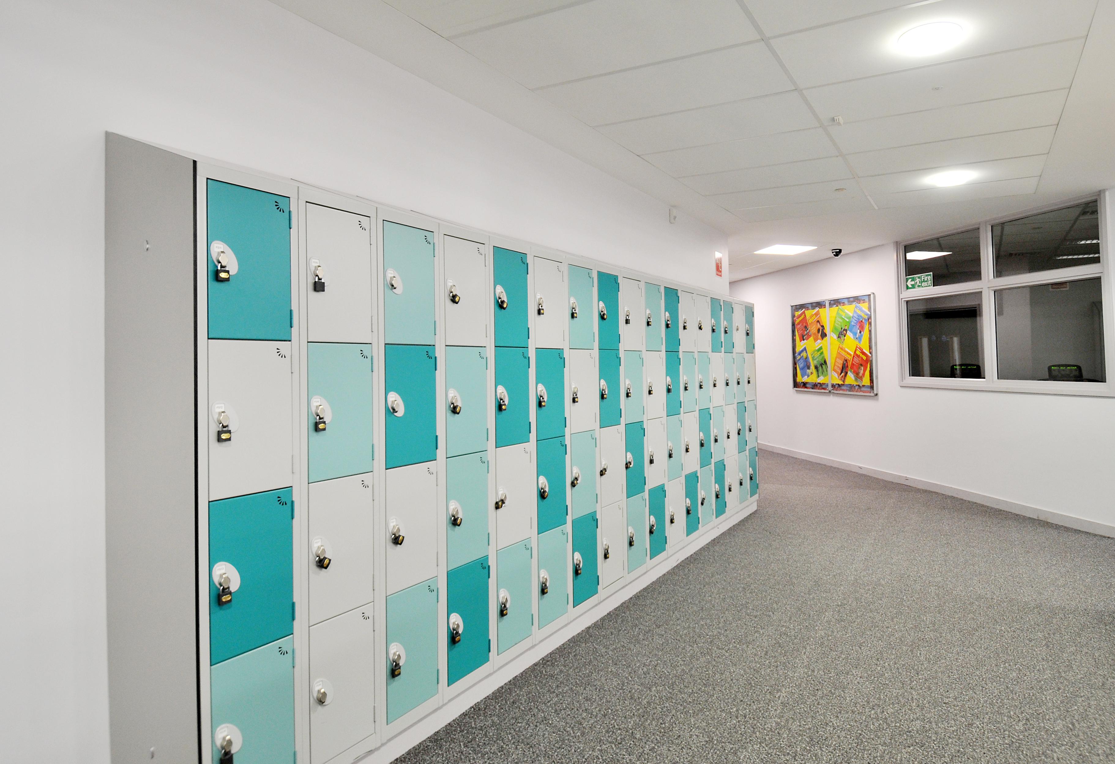 Pleckgate School Blackburn blue38